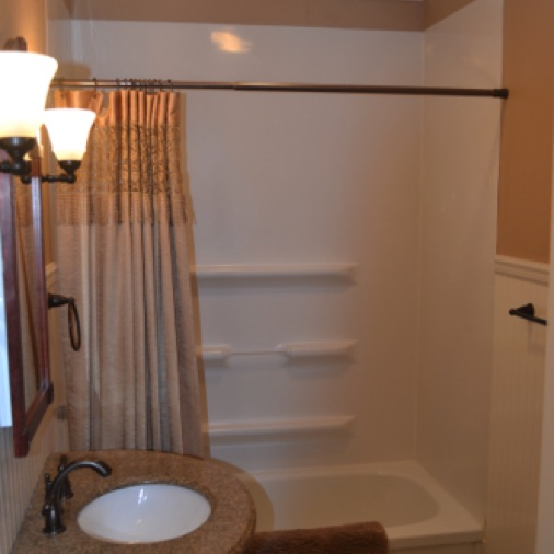 The main floor has a full bath with tub/shower combination.